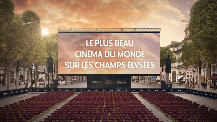 Cinéma en plein air sur les champs-Elysées